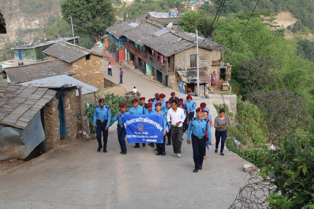 एक्कासी गाउँ गाउँमा प्रहरी पसेपछि ( फोटो फिचर)