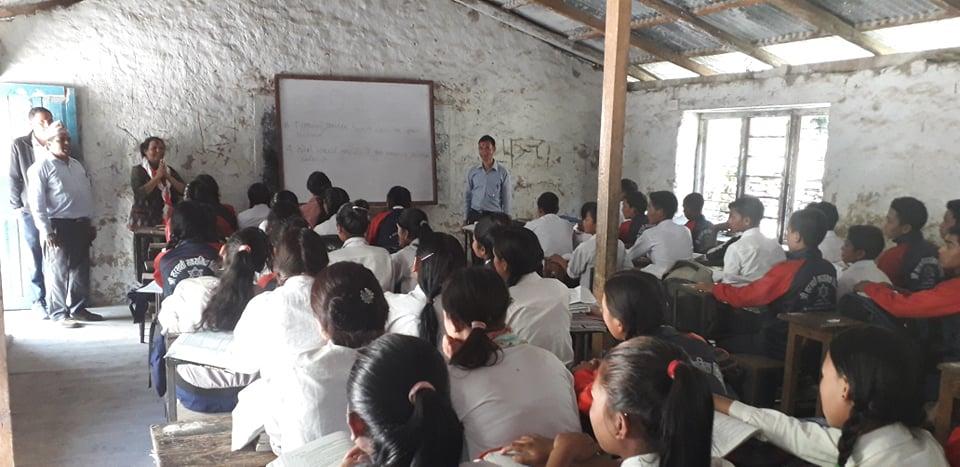 मन्त्रीद्धारा जिल्लाको उत्कृष्ट विद्यालयको अनुगमण
