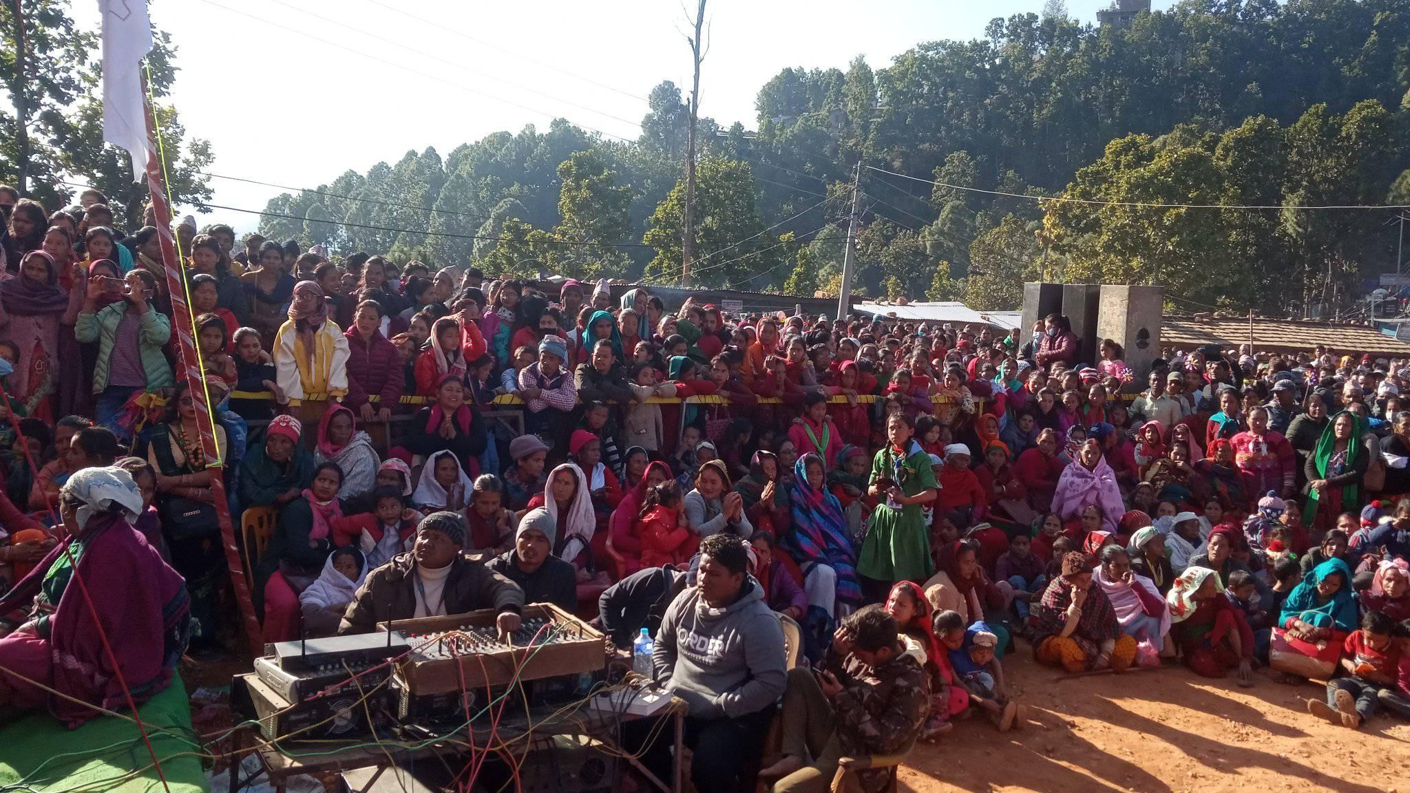 """जब रमाईलो मेलामा गायक दुर्गा विकले """"यो मन जल्दैछ"""" गाएपछि………………………"""