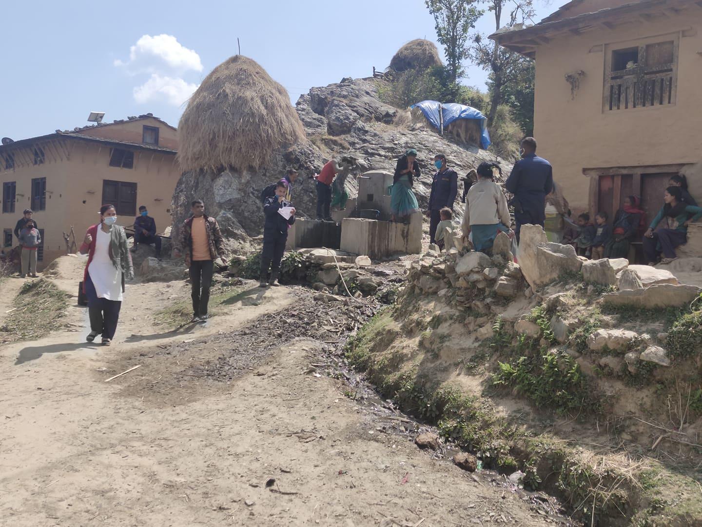 ठुलिभेरी र बारेकोटले बिरामी स्वास्थ्य संस्था नआएपछि घर ,घरमा उपचार