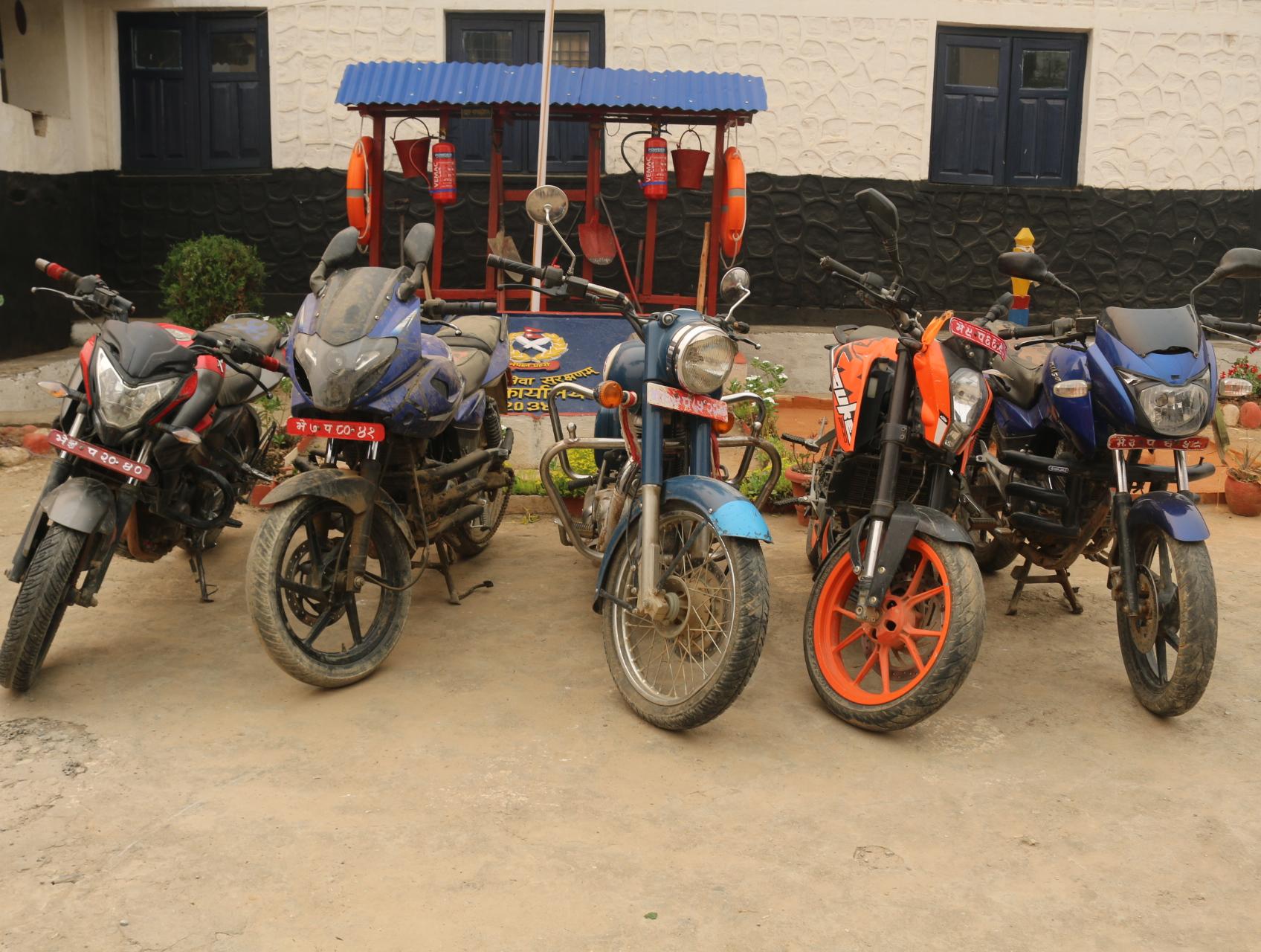 चोरी निकासी रोक्न प्रहरी सक्रिया ,१ करोड २० लाख बराबरको सवारी साधन बरामद